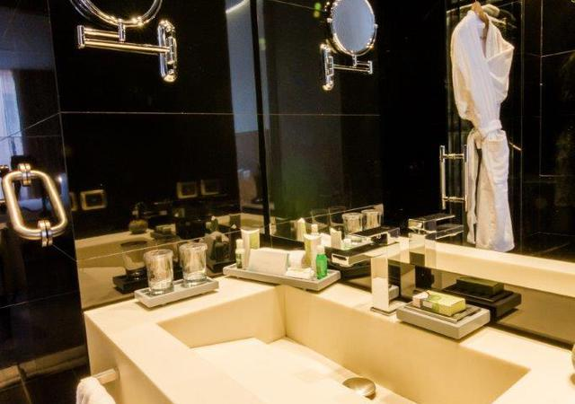 Bathrooms Bioxury Hotel Bogota